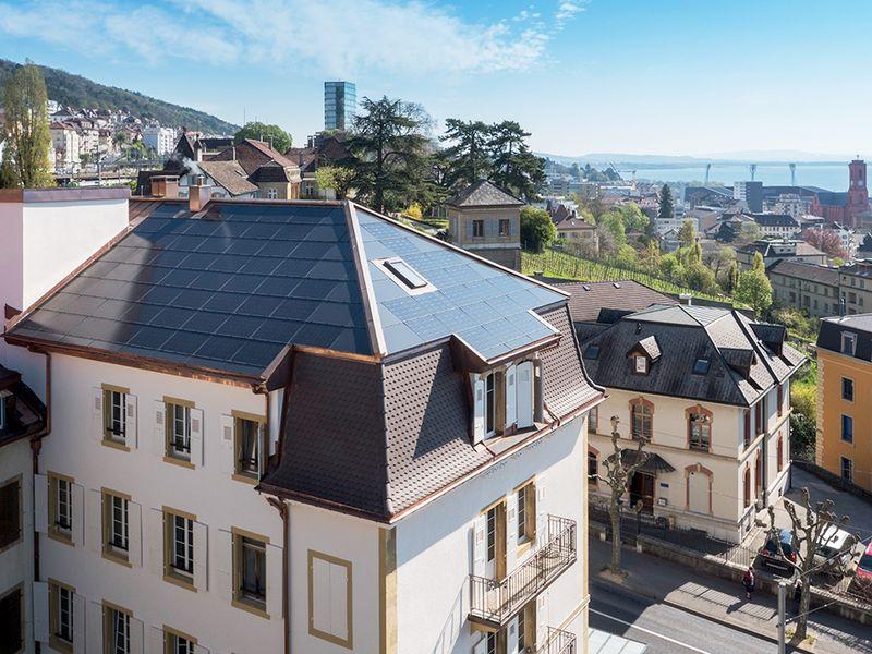 Bâtisse patrimoniale en vieille ville avec installation solaire