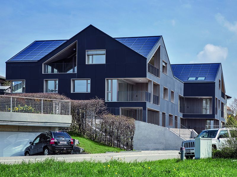 Erstes energieautarkes Mehrfamilienhaus