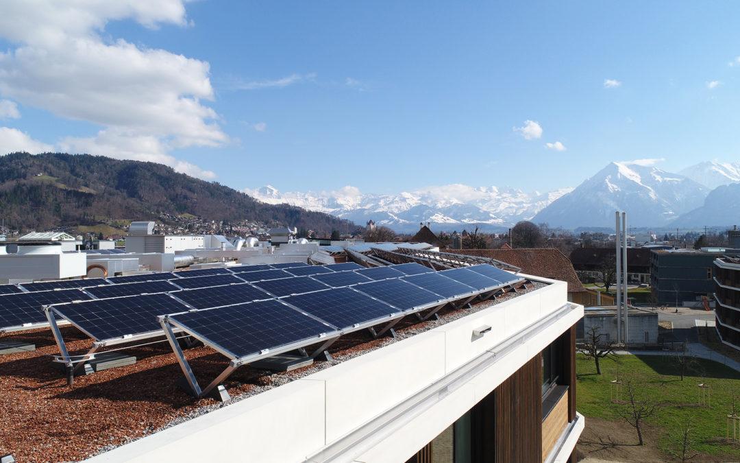 Artikel im Bund 2018-10-17: Solarbranche sieht Zukunft auf Dächern